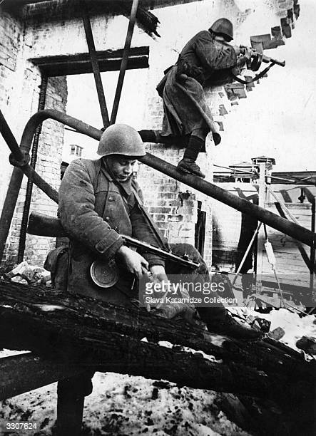 Russian soldiers fighting in the Red October plant in Stalingrad