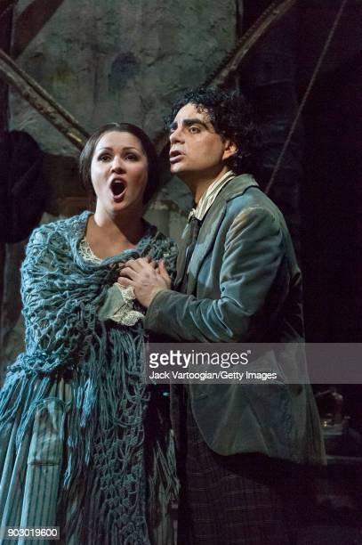 Russian soprano Anna Netrebko and Mexicanborn French tenor Rolando Villazon perform during the final dress rehearsal of Act 1 of the Metropolitan...