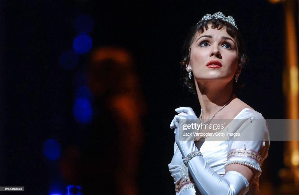 Anna Netrebko At The Metropolitan Opera House : News Photo