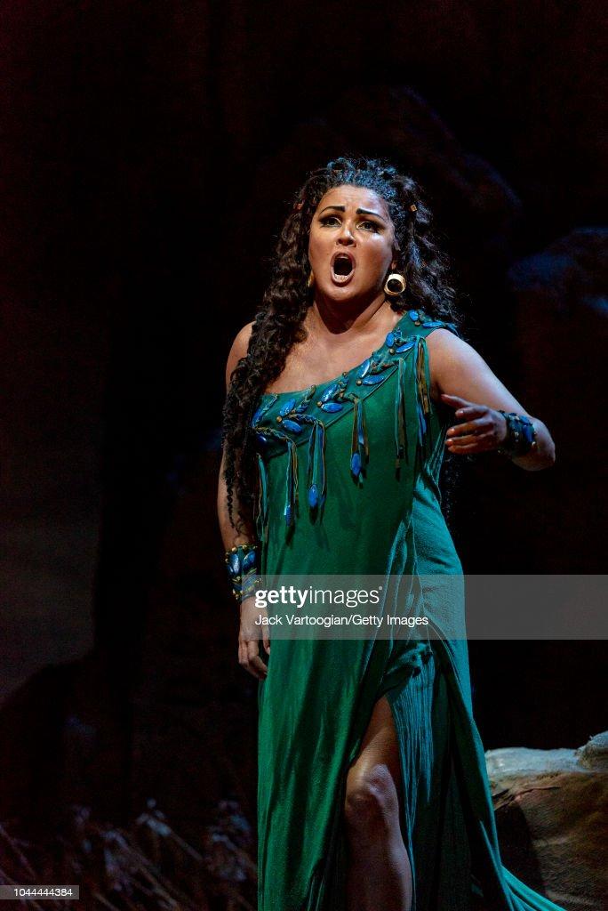 Anna Netrebko In 'Aida' : News Photo