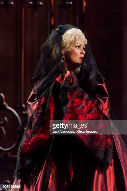 Russian soprano Anna Netrebko performs during the final dress rehearsal of Act 3, scene 2 of the Metropolitan Opera/Jean-Pierre Ponnelle production...