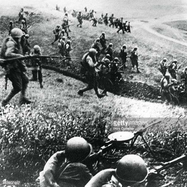 Russian troops on the counterattack Mozdok region northern Caucasus September 1942 The German campaign to capture of the Azerbaijani oilfields was...