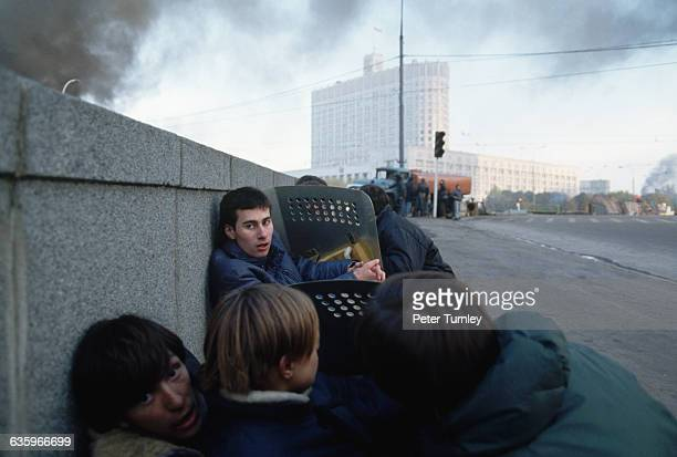 Russian White House under siege by ProYeltsin soldiers