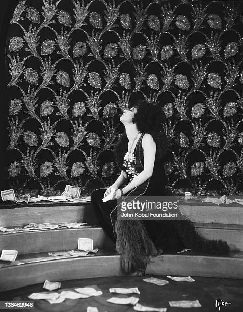 Russianborn actress Alla Nazimova as courtesan Marguerite Gautier in the film 'Camille' 1921 It was adapted from the novel 'La Dame aux Camelias' by...