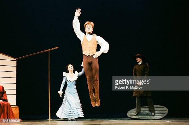 Russianborn American dancer Mikhail Baryshnikov performs in 'Appalachian Spring' at City Center New York New York October 6 1987 Russianborn French...