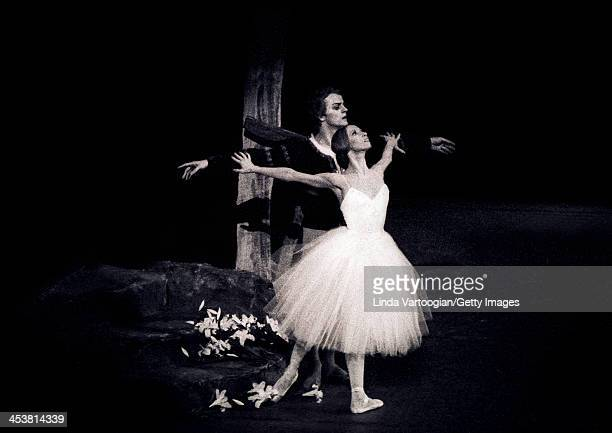 Russianborn American dancers Mikhail Baryshnikov and Natalia Makarova perform in Act II of the American Ballet Theatre production's of 'Giselle' at...