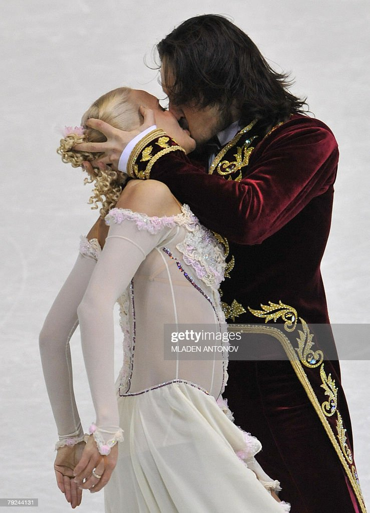 Russia's Okasana Dommina and Maxim Shabalin kiss after their free dance at the Dom Sportova Arena in Zagreb, 25 January 2008, during the European Figure Skating Championships 2008. Russia's Okasana Dommina and Maxim Shabalin won the European title.