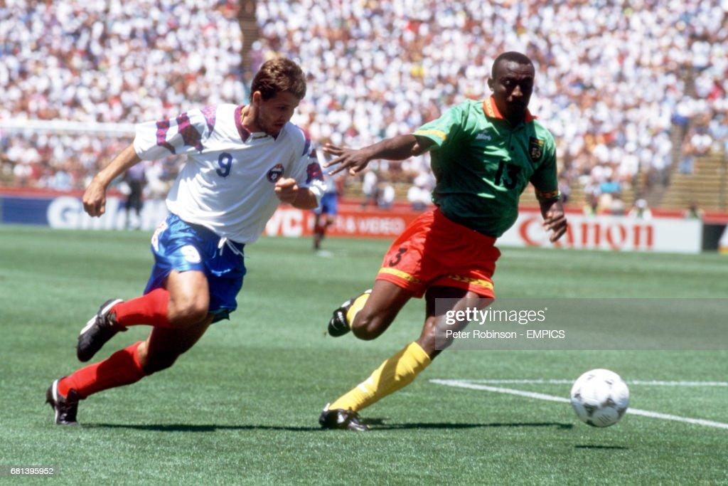 Soccer - World Cup USA 94 - Group B - Russia v Cameroon : News Photo