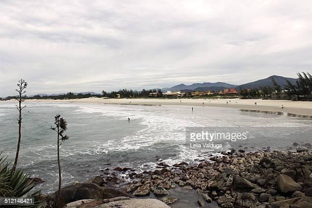 rust beach - great surfing paradise - rust colored - fotografias e filmes do acervo