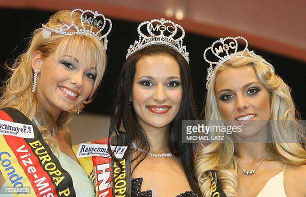 Miss Germany 2007 Nelly Marie Bojahr poses with runnerup Bianca Starke and second runnerup Katie Steiner late 10 February 2007 at the Europapark in...