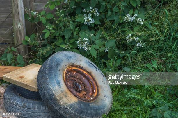 rust wheels - lebanon country stock pictures, royalty-free photos & images