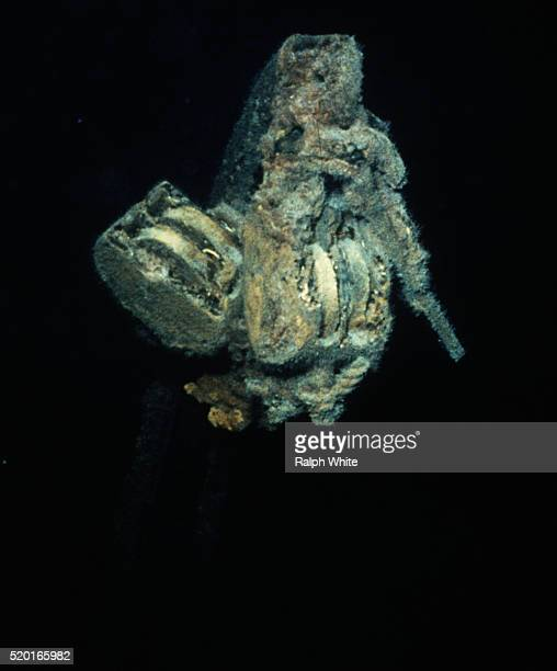 rusted pulley on the titanic - titanic stock pictures, royalty-free photos & images