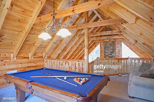 Rustic cabin loft with pool table (XXL)