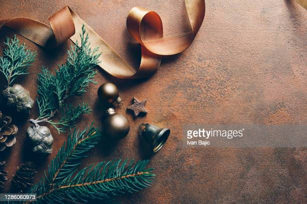 rustic christmas background - christmas stock pictures, royalty-free photos & images