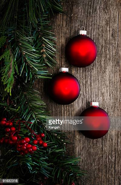 Rustic Christmas Bauble and Garland