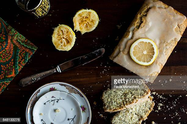 Rustic lemon cake