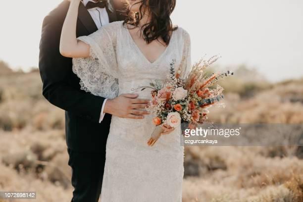 素朴な結婚式の花束 - ウェディング ストックフォトと画像