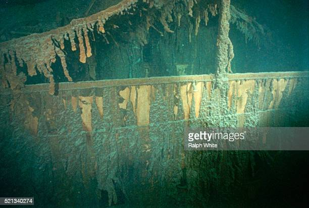 rusticles on titanic - titanic stock pictures, royalty-free photos & images