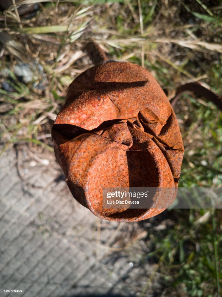 rusty and abandoned drink can : Stock-Foto