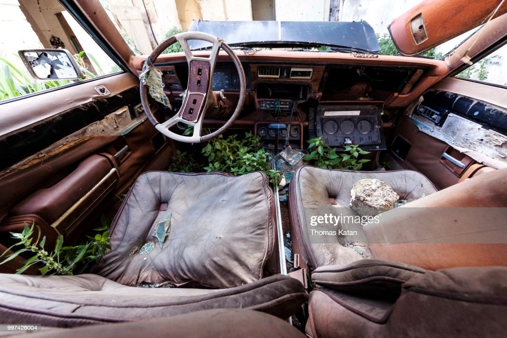 Rusty Car : Stock Photo