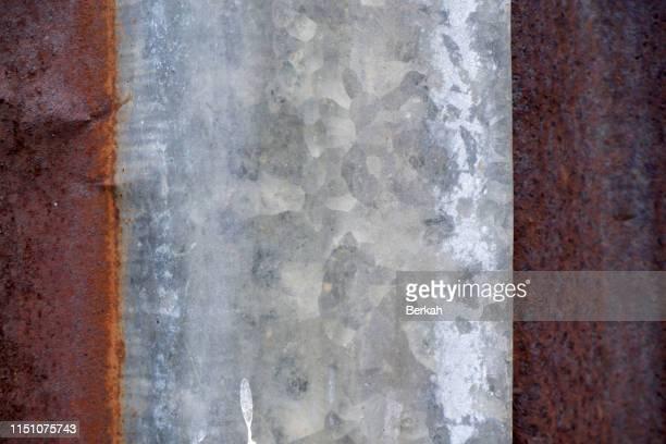 rusty steel roof textured background - 亜鉛 ストックフォトと画像