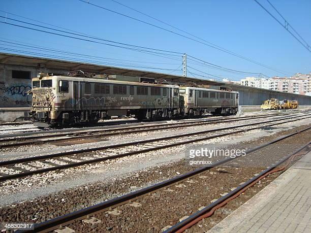 ラスティの鉄道駅、スペインレウス - reus spain ストックフォトと画像