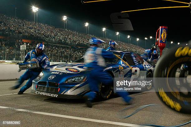 Rusty Wallace pits late in the NASCAR Nextel Cup Series Dodge Charger 500 at Darlington Raceway. May 7, 2005.