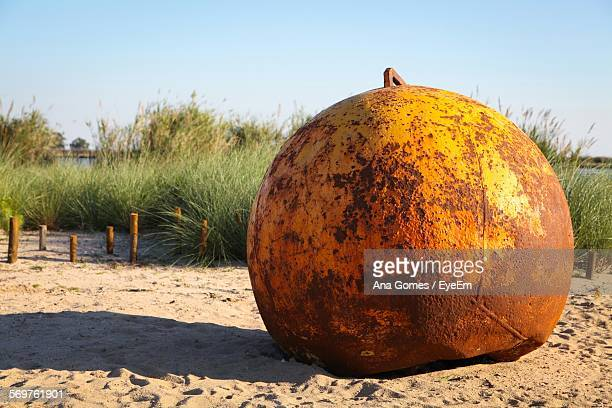Rusty Wrecking Ball Sand
