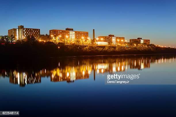 ラトガース大学 - ニュージャージー州ニューブランズウィック ストックフォトと画像