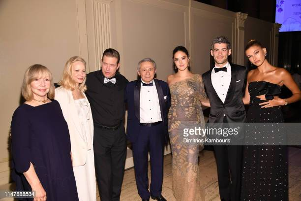 Ruth Almeida Kennya Baldwin Stephen Baldwin Tamer Seckin MD Alaia Baldwin Andrew Aronow and Hailey Bieber attend Endometriosis Foundation Of...