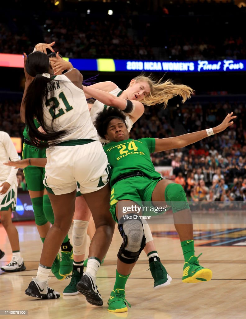 NCAA Women's Final Four - Semifinals : News Photo