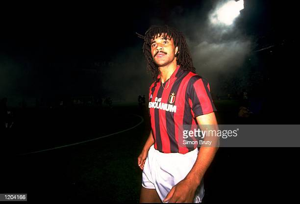 Ruud Gulitt of AC Milan in action during the Eurpean Cup Semi-final match against Real Madrid. The match ended in a 5-0 win for AC Milan. \ Mandatory...