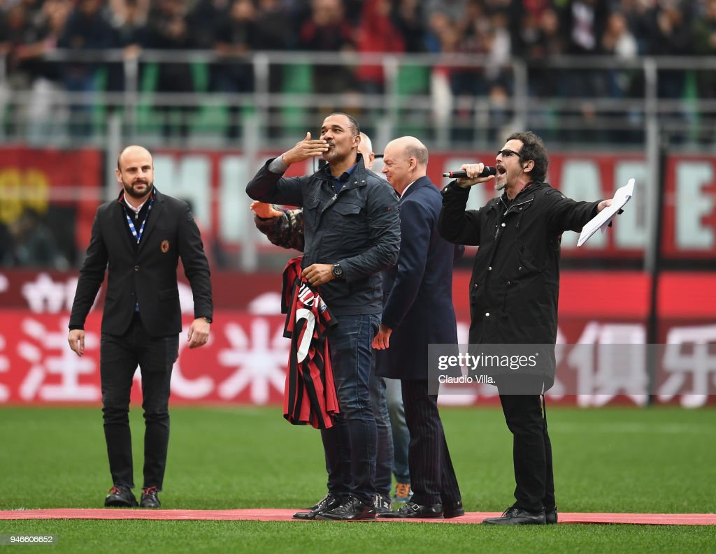 Ruud Gullit (C) attends the serie A match between AC Milan and SSC Napoli at Stadio Giuseppe Meazza on April 15, 2018 in Milan, Italy.