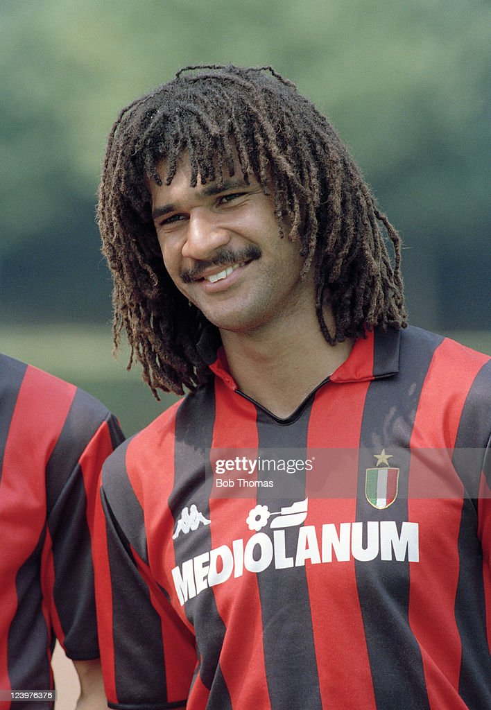 ¿Cuánto mide Ruud Gullit? - Real height Ruud-gullit-of-ac-milan-july-1988-picture-id123976376