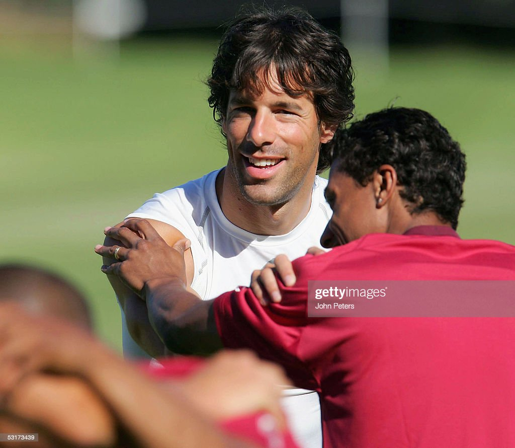Ruud Van Nistelrooy And Kleberson Of Manchester United In Action During A Pre Season First