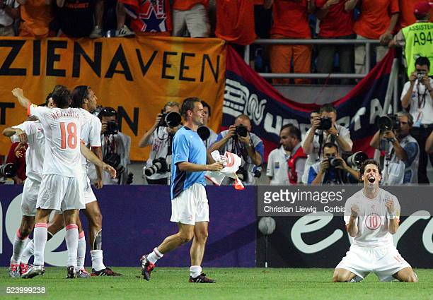 Ruud Van Nistelrooy and Marc Overmars celebrate | Location FaroLoule Portugal