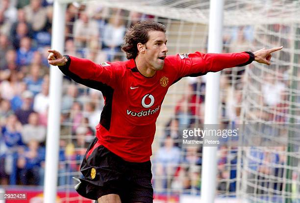 Ruud van Nistelrooy celebrates his first goal during the FA Barclaycard Premiership match between Leicester City v Manchester United at Walkers...