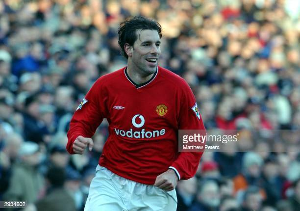 Ruud van Nistelrooy in action during the FA Barclaycard Premiership match between Fulham v Manchester United at Craven Cottage on December 30 2001...