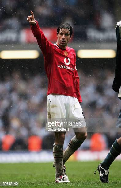 Ruud Van Nistelrooy of Manchester United acknowledges the fans after he scored two goals during the FA Cup Semi-Final match between Newcastle United...