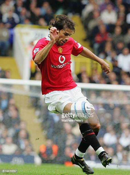 Ruud van Nistelrooy of Manchester United controls the ball during the Barclays Premiership match between Tottenham Hotspur and Manchester United at...
