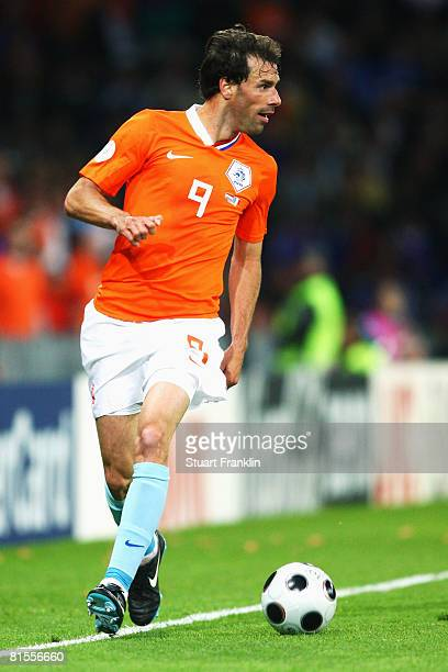 Ruud van Nistelrooy of Netherlands in action during the UEFA EURO 2008 Group C match between Netherlands and France at Stade de Suisse Wankdorf on...