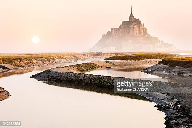Réveil sur le barrage du Mont Saint-Michel