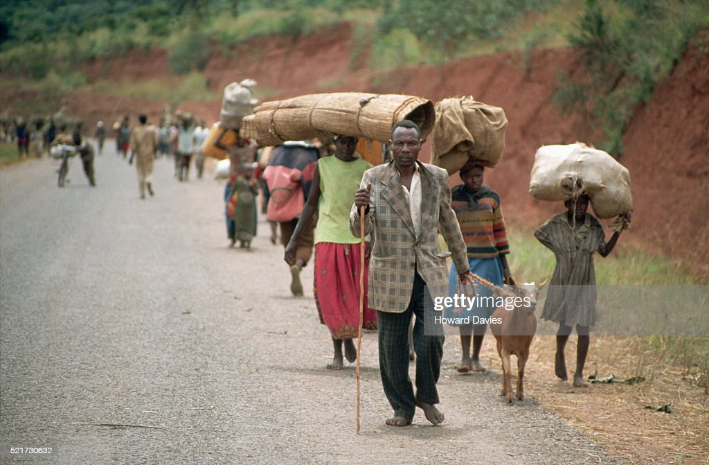 Rwandans Refugees Arriving at Benaco Camp, Tanzania : Stockfoto