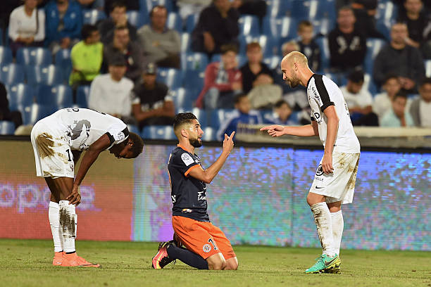 MHSC -EQUIPE DE MONTPELLIER -LIGUE1- 2019-2020 - Page 5 Ryad-boudebouz-of-montpellier-and-renaud-cohade-of-metz-during-the-1-picture-id610178034?k=6&m=610178034&s=612x612&w=0&h=HkEo-83n_56PqhhzIRMUccPURwy_C4q2XfTNAqli2Rw=