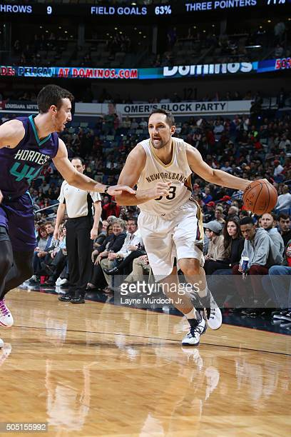 Ryan Anderson of the New Orleans Pelicans drives against the Charlotte Hornets during the game on January 15 2016 at Smoothie King Center in New...