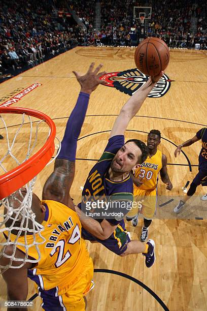Ryan Anderson of the New Orleans Pelicans goes to the basket against the Los Angeles Lakers on February 4 2016 at the Smoothie King Center in New...