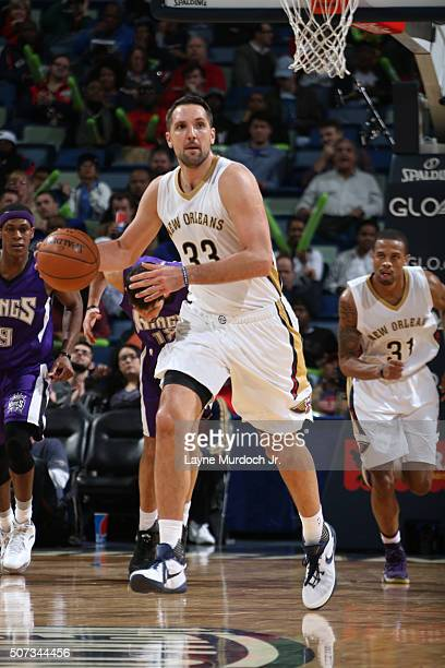 Ryan Anderson of the New Orleans Pelicans handles the ball against the Sacramento Kings on January 28 2016 at the Smoothie King Center in New Orleans...