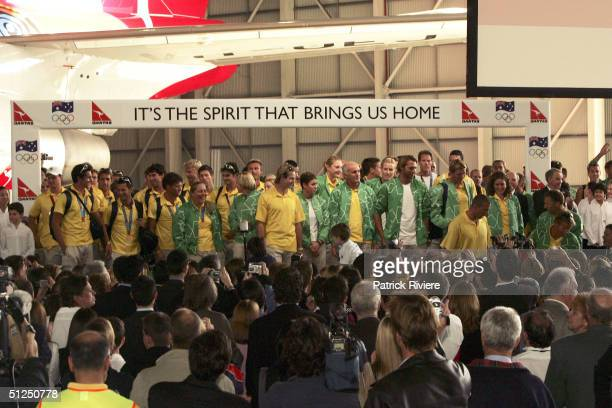 Ryan Bayley Petria Thomas Colin Beashel Ian Thorpe during the Australian Olympic team homecoming welcome at the Qantas Jetbase September 1 2004 in...