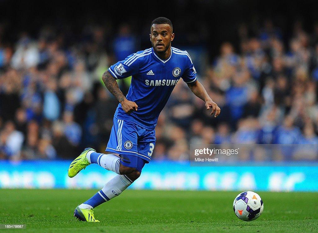 Chelsea v Cardiff City - Premier League : News Photo