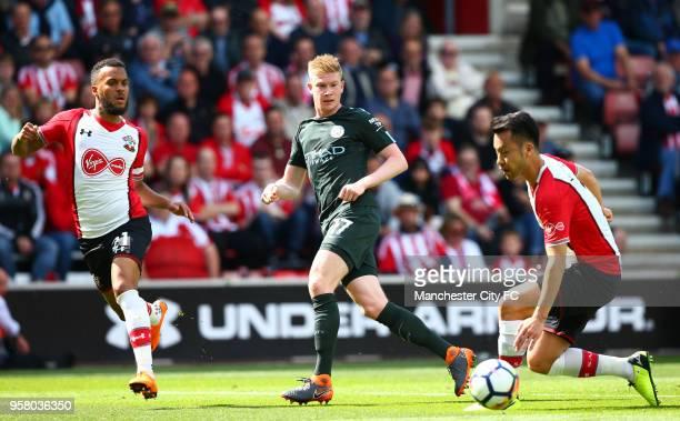 Ryan Bertrand of Southampton Kevin De Brauyne of Manchester City and Maya Yoshida of Southampton in action during the Premier League match between...